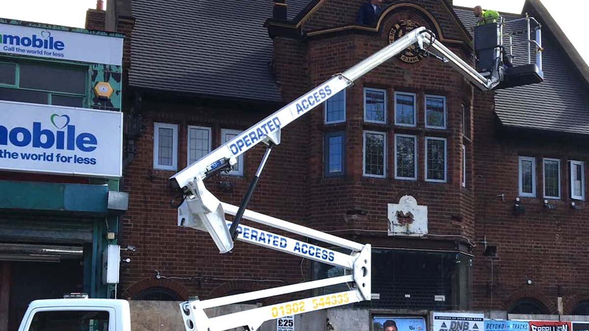 Truck Mounted Cherry Picker Hire Wolverhampton